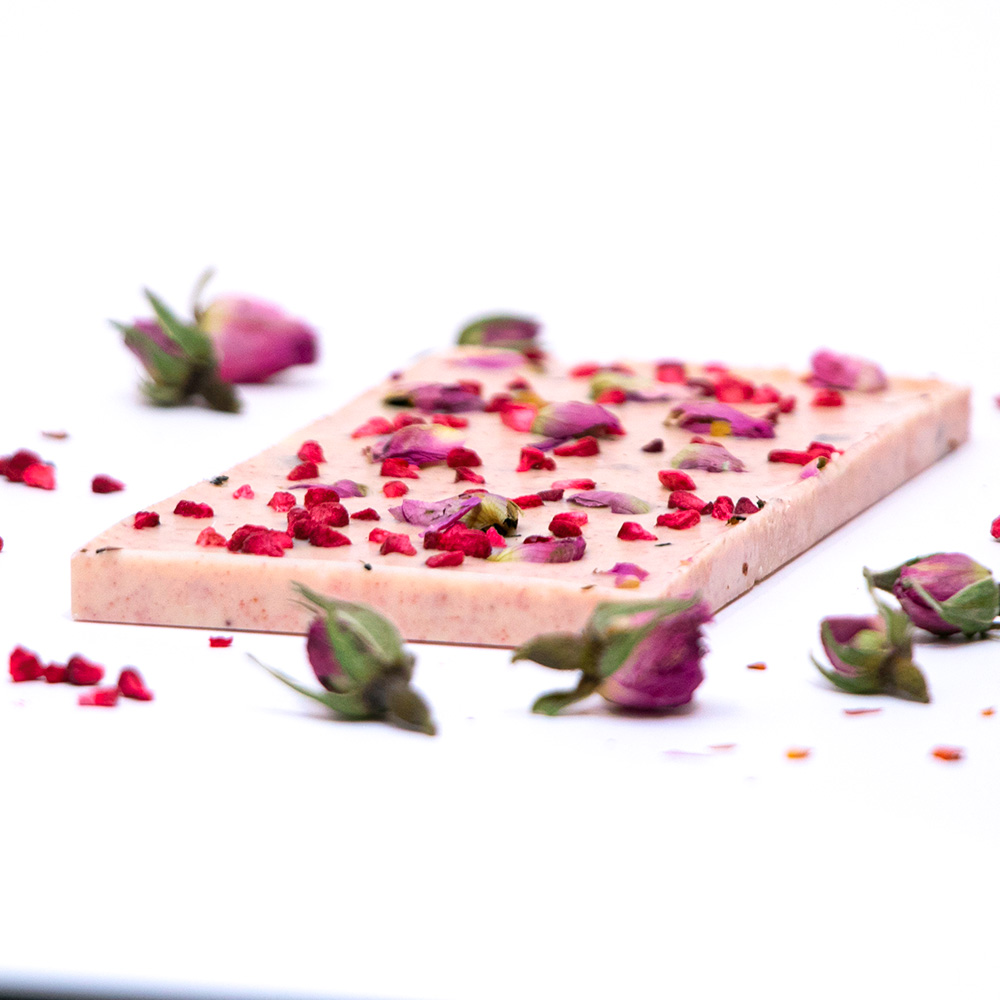 White chocolate with raspberry & rose buds 1